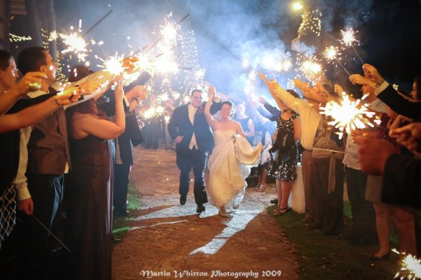 sparkler wedding bride groom