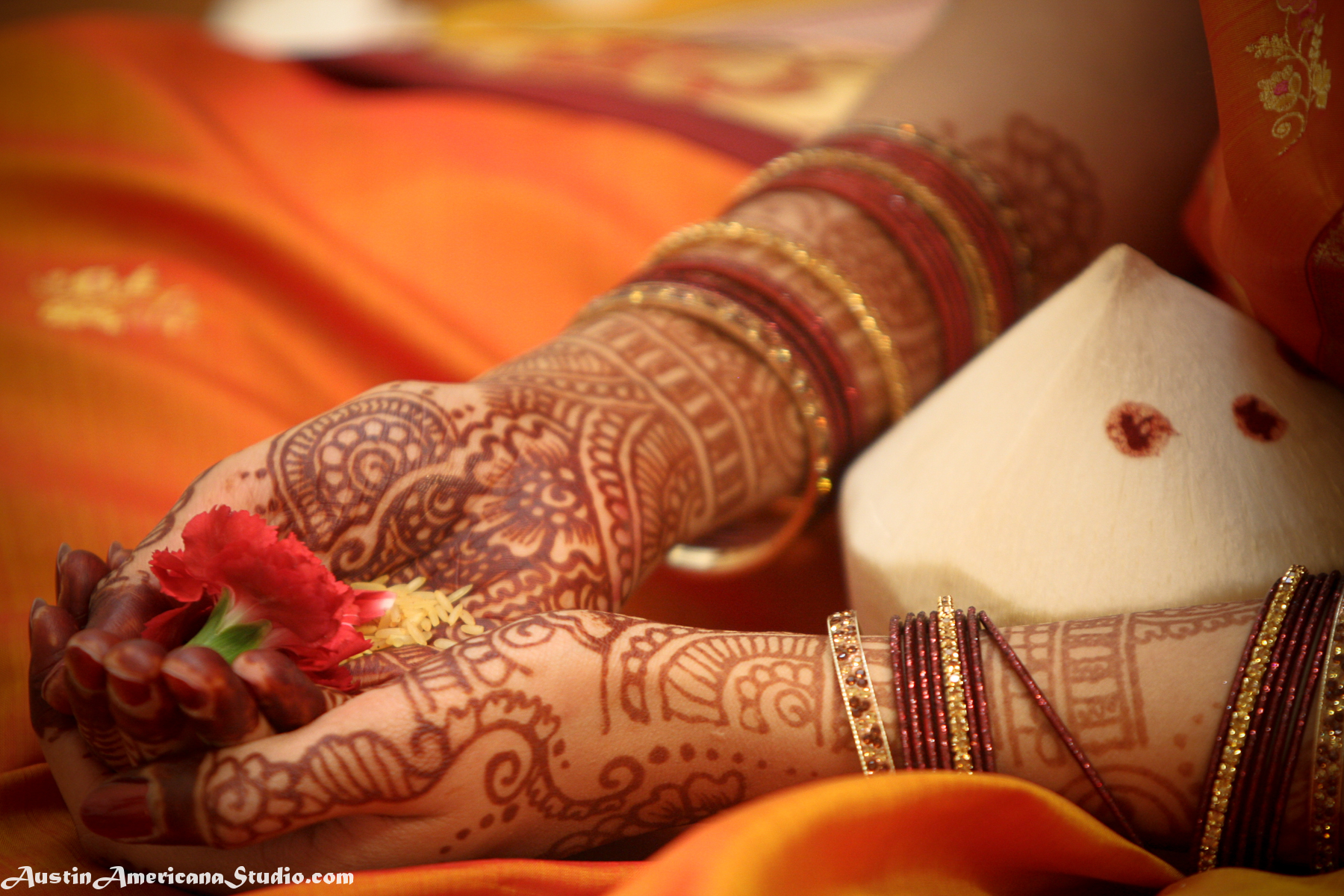 Bridal with groom hands