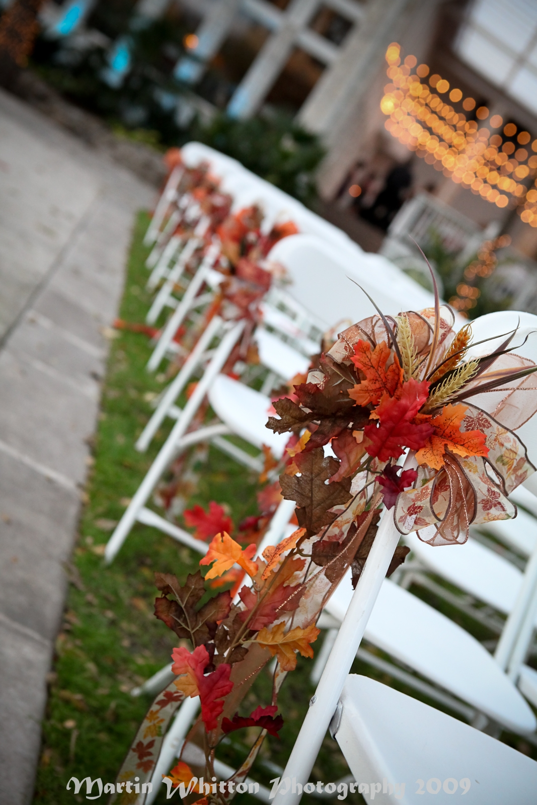 Fall wedding pew decorations fall wedding diy decorations for Autumn wedding decoration