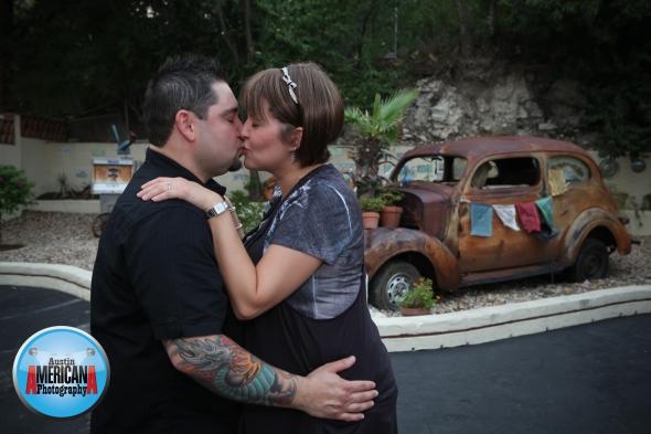kissing couple austin, tx