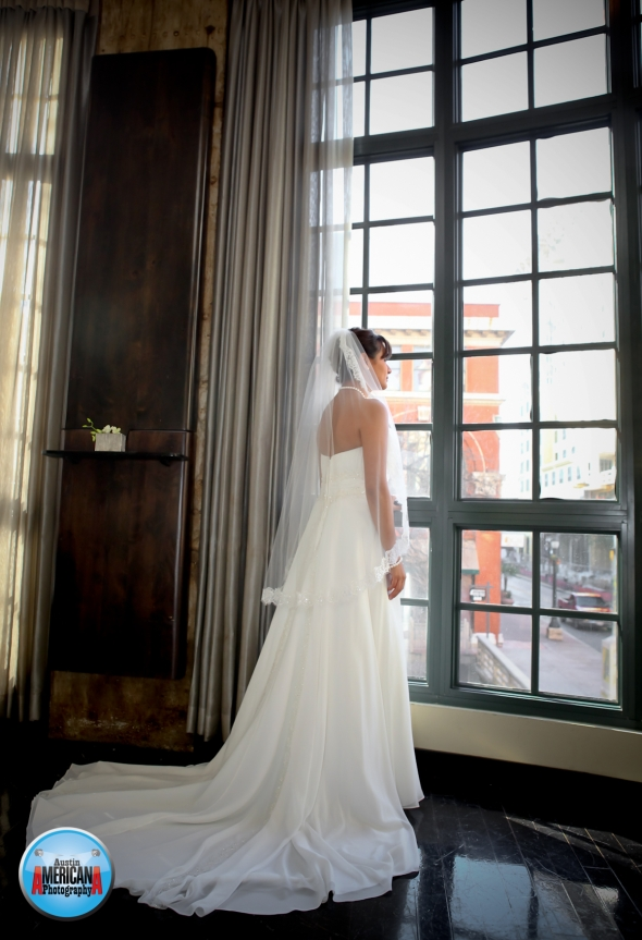 Bride at Valencia Hotel